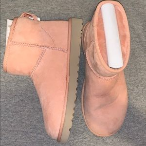 BRAND NEW!! Classic Mini boots II uggs